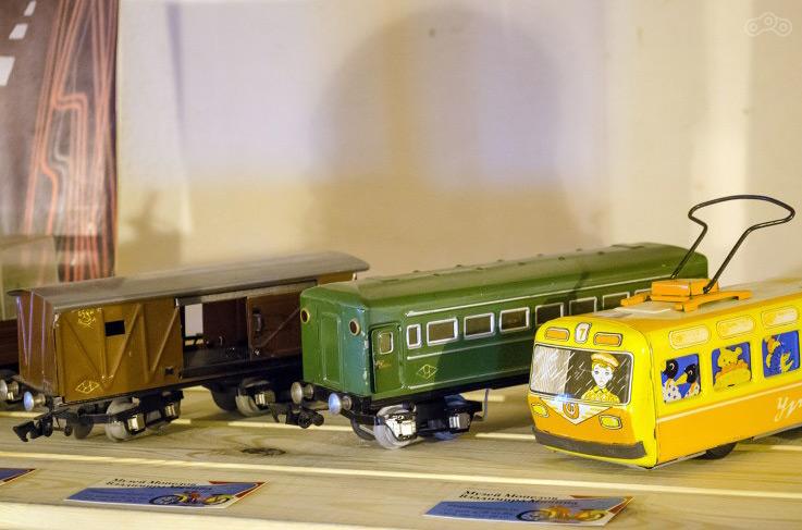 Игрушки являются частью коллекции Музея Мопедов.