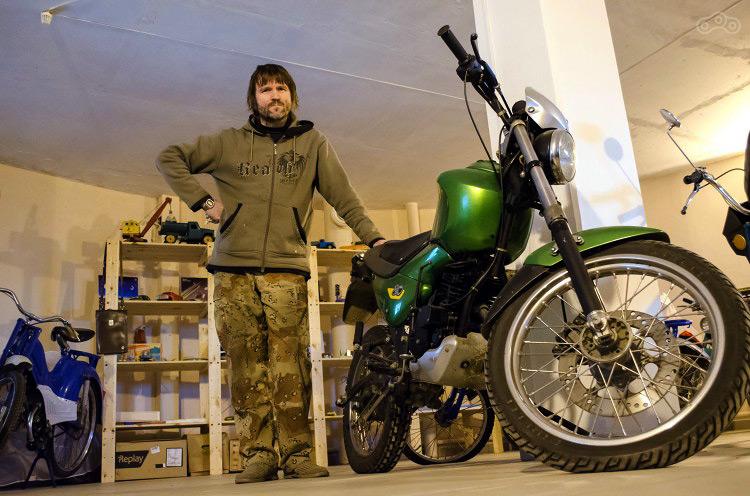 Владимир Гордеев приглашает всех мотоциклистов посетить Музей Мопедов.
