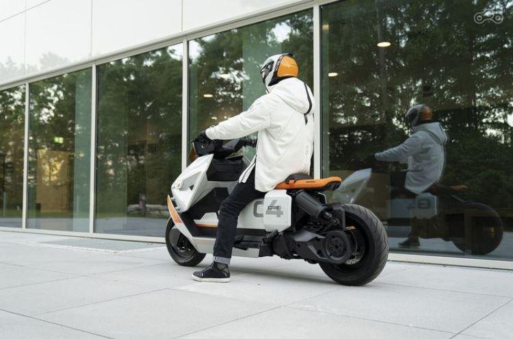 BMW Definition CE 04: будущее электромотоциклов?