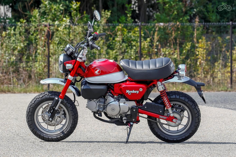 Как и его предшественник Honda Monkey 125 создан одноместным