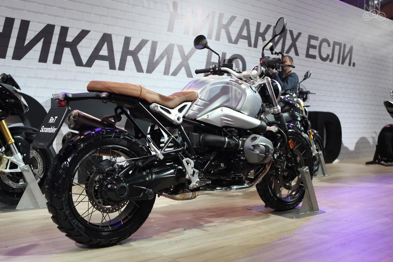 Мотоцикл BMW R nine T Scrabmler 2017 на выставке Мотозима 2016