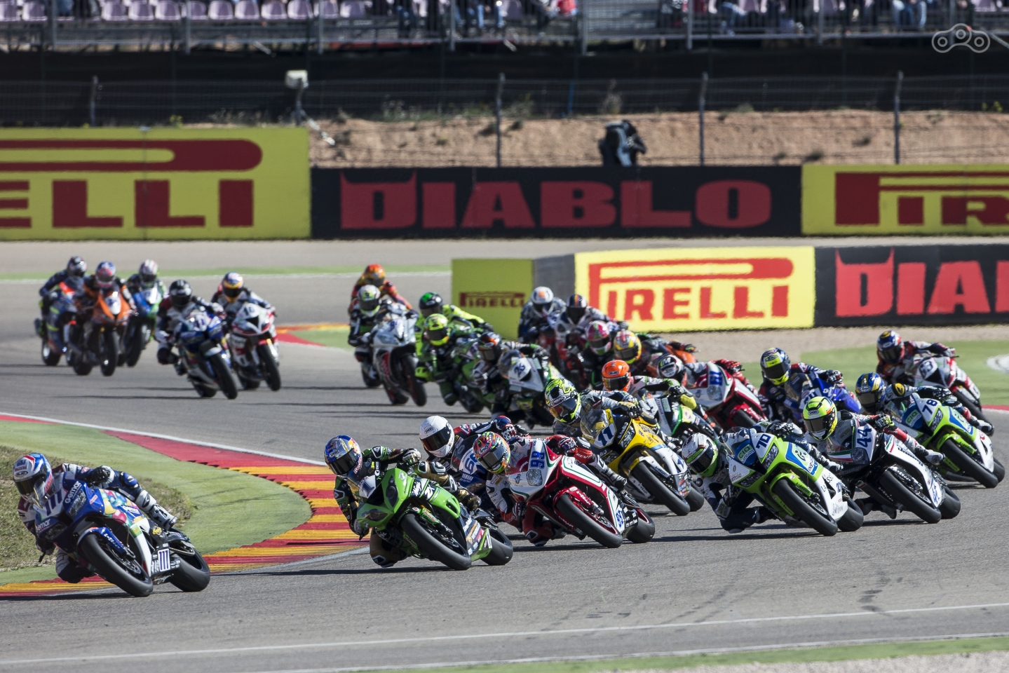 Заезд категории World SuperSport во время этапа WSBK 2017 в Арагоне. Фото – Kawasaki racing