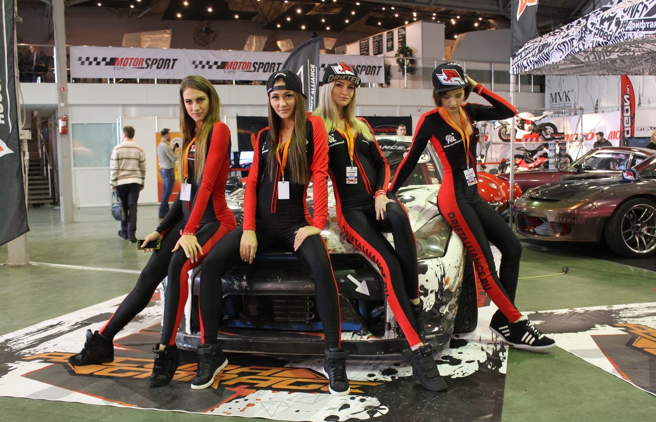Представительницы российской дрифт-серии на выставке Motosport Expo 2017