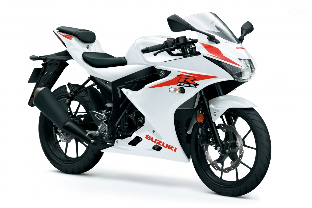 Мотоцикл Suzuki GSX-R125 в цветовой схеме Brilliant White