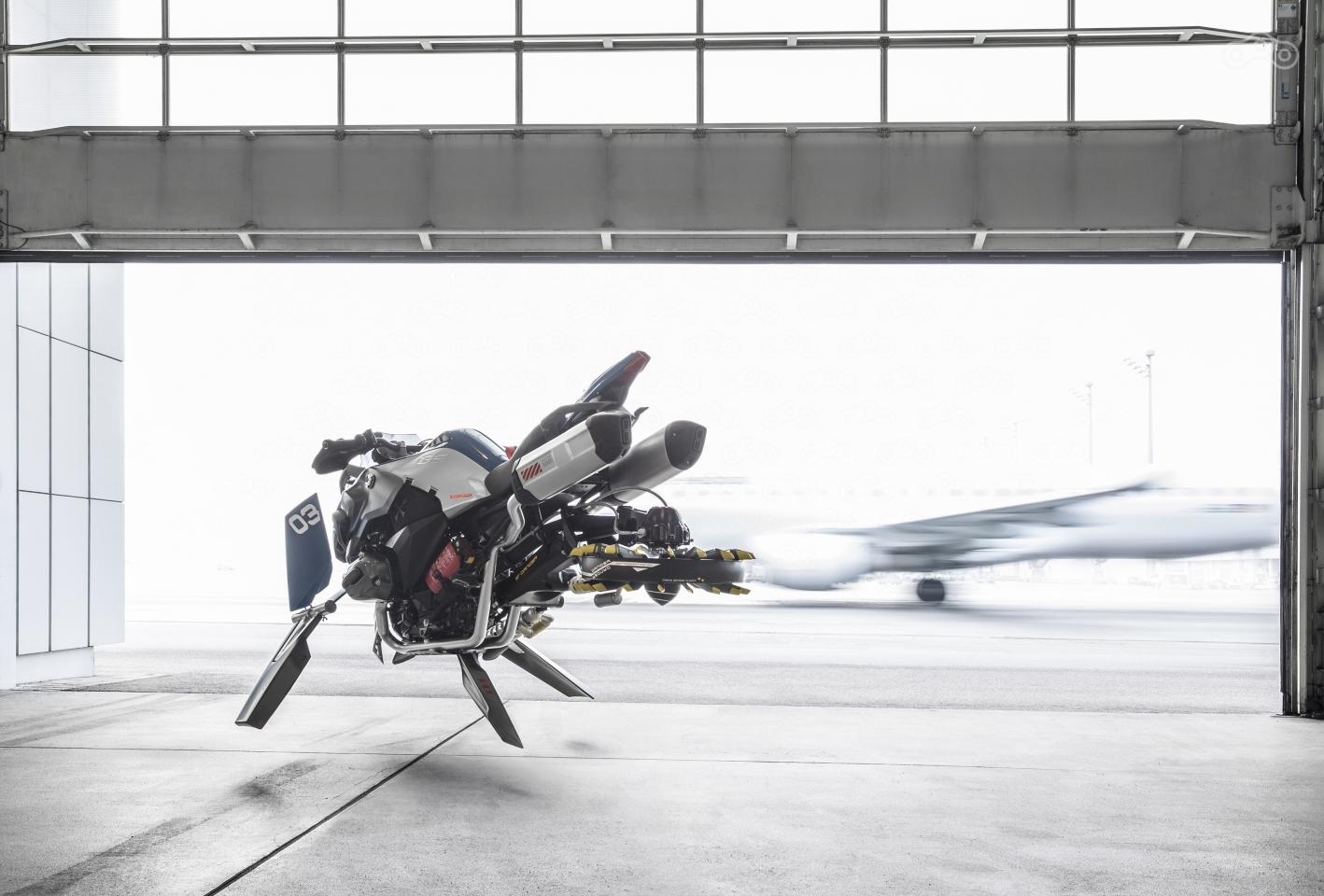 отношения летающий мотоцикл картинки полчаса