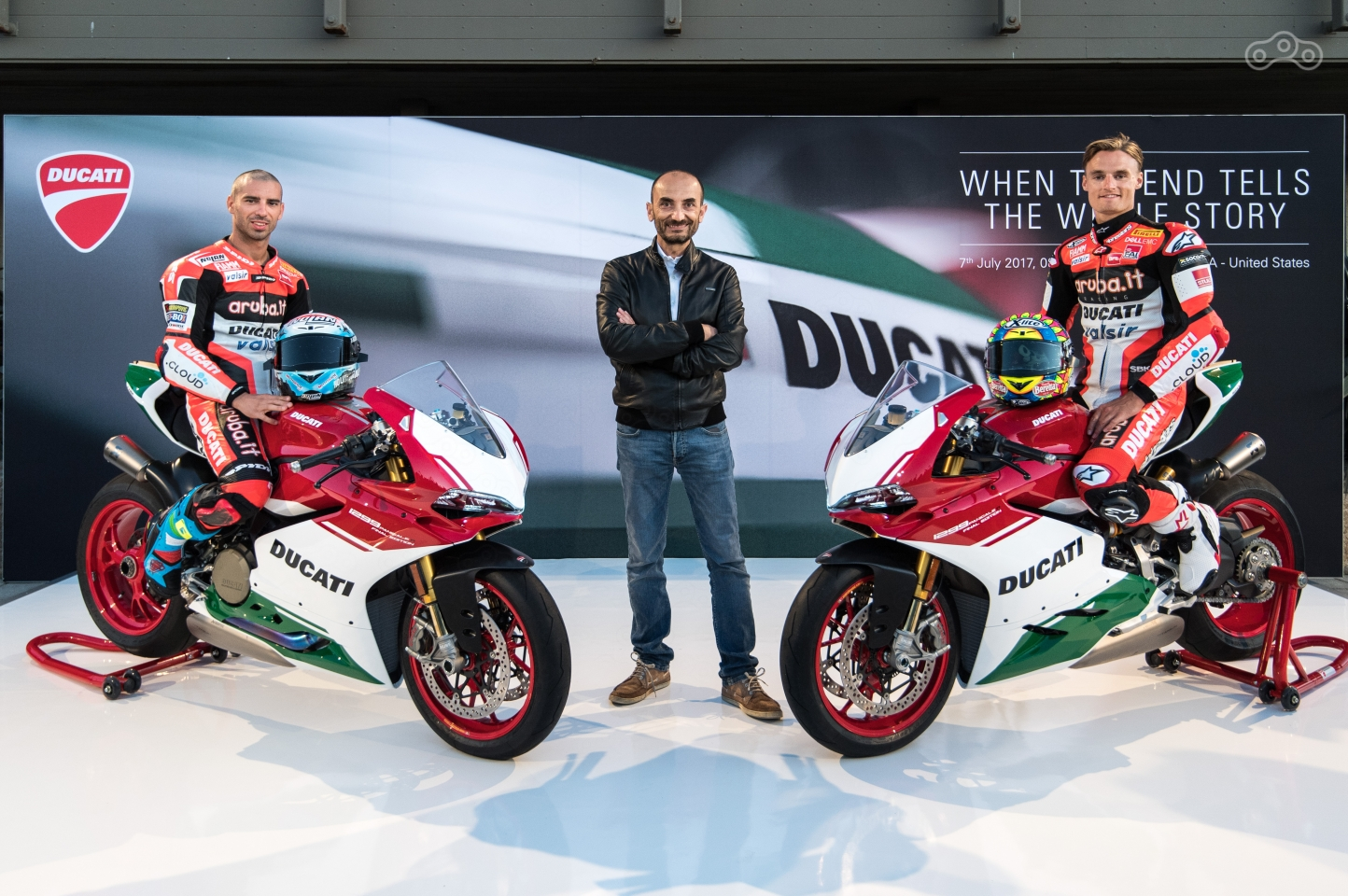 Чаз Дэвис, Клаудио Доминикали и Марко Меландри на премьере Ducati 1299 Panigale R Final Edition