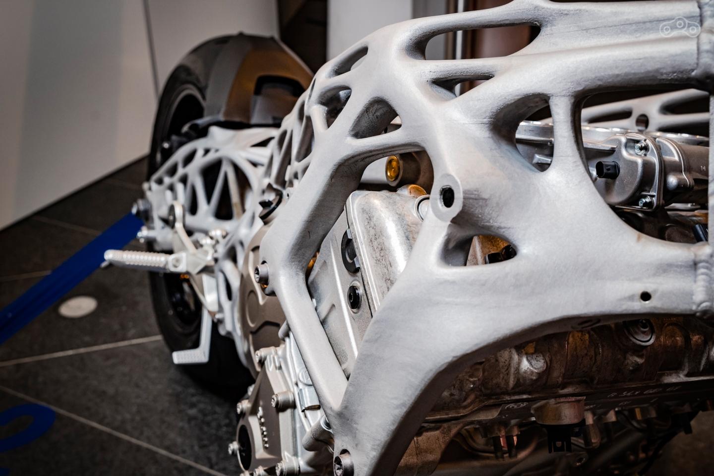 Рама BMW S1000RR, напечатанная на 3D-принтере